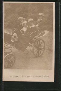 AK Kinder des Kaiserpaares von Österreich bei einer Kutschfahrt auf ihrem Spielplatz
