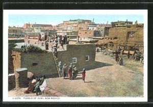 AK Zuni, NM, Pueblo, Dorfpartie mit Ureinwohnern