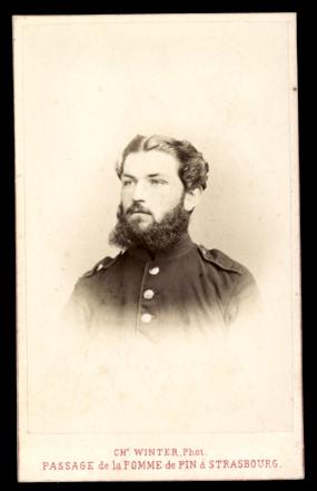 Fotografie Ch. Winter Strasbourg, Portrait Soldat mit Vollbart in Uniform