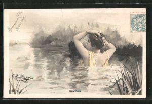 Foto-AK Atelier Reutlinger, Paris: Nymphes, Frau badet in einem See