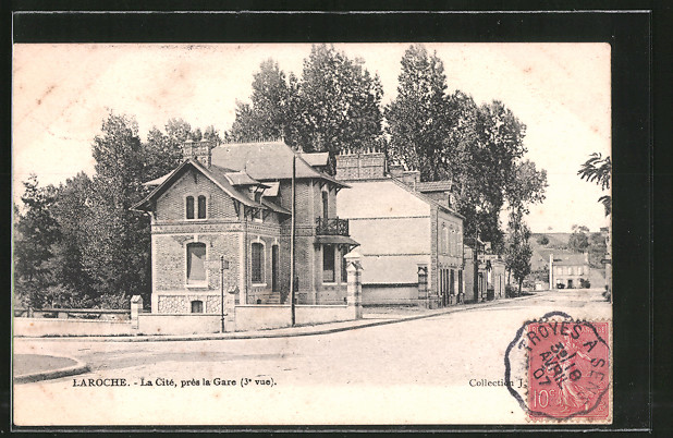 AK Laroché, La Cite, prés la Gare