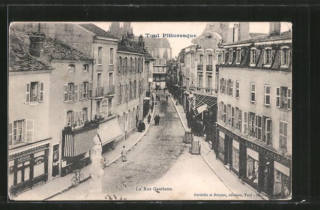 AK Toul, La Rue Gambetta