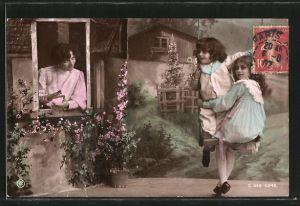 Foto-AK RPH Nr. S 668-6346: Mutter schaut ihren Töchtern beim Schaukeln zu