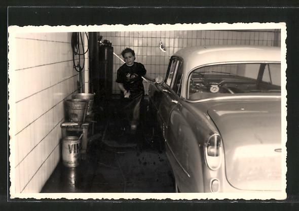 Foto-AK Opel in der Waschanlage einer Tankstelle