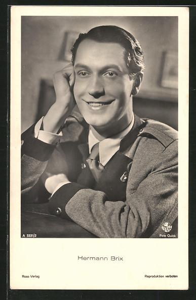 AK Schauspieler Hermann Brix lächelnd in Tracht posierend
