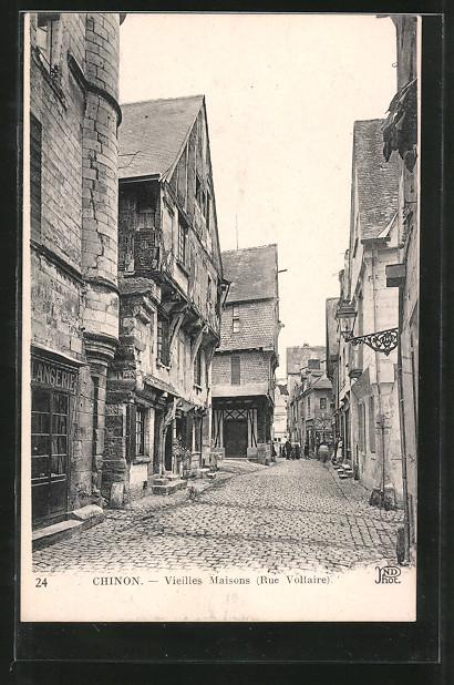 AK Chinon, vieille maisons, rue Voltaire