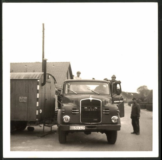 Fotografie LKW MAN, Lastwagen der Firma Kemna Bau in Hasloh