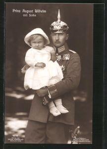 AK Prinz August Wilhelm von Preussen in Uniform mit Pickelhaube und seinem Sohn