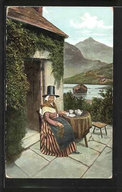 AK Walisische Frau auf Terrasse mit Tee