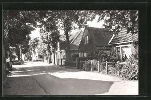 AK Oterleek, Häuser an einer Strasse
