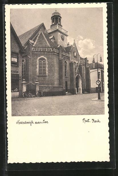 AK Noordwijk aan Zee, Prot. Kerk, Strassenpartie mit Kirche