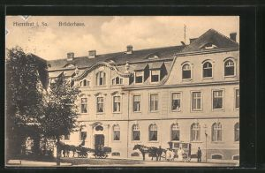 AK Herrnhut, Kutschen vor dem Brüderhaus