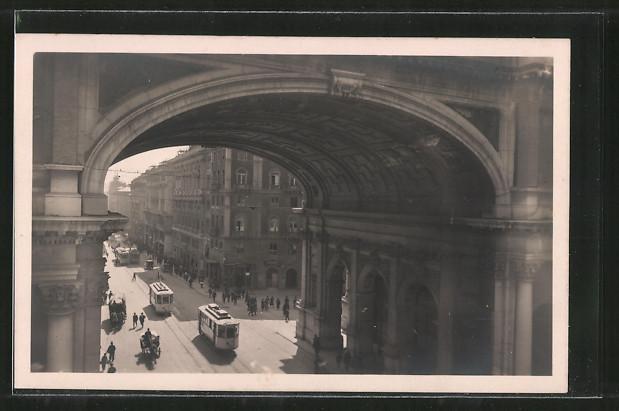 AK Genova, Ponte Monumentale, Strassenbahnen