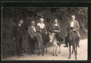 Foto-AK Herrschaften, reitend auf Pferd und Eseln