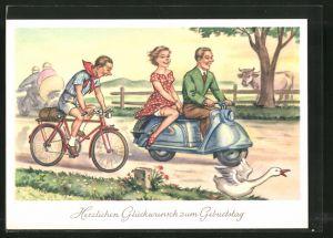 AK Glückwunsch zum Geburtstage, Radfahrer und Paar auf Motorroller