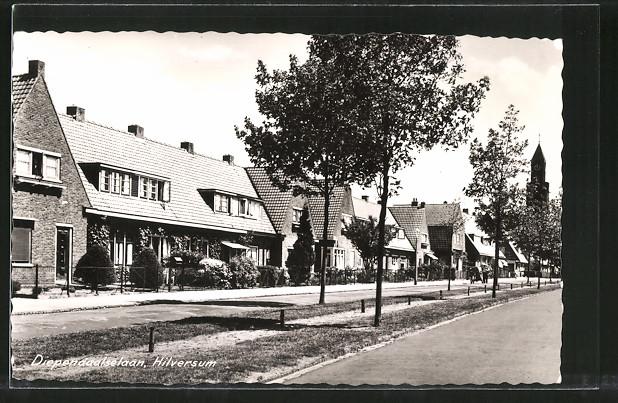 AK Hilversum, Diependaalselaan, Häuser an einer Strasse