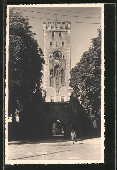 AK Landsberg, Strassenpartie an einem Turm-Tor 0