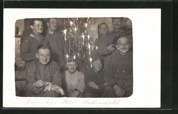 Foto-AK Hattonchâtel, Weihnachten 1915, Feldgraue mit Christbaum 0