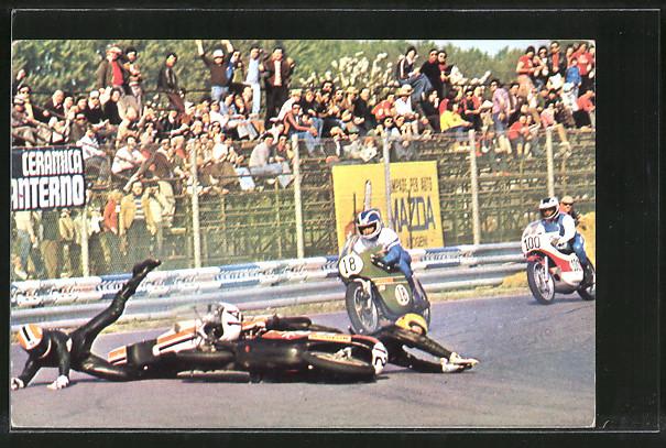 AK Road Racing, Sturz bei Motorradrennen, Startnummer 12 und 14