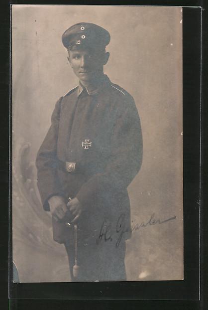Foto-AK Feldgrauer Unteroffizier mit Eisernem Kreuz 0