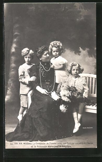AK Die Comtesse von Flandern mit Enkelkindern, Léopold, Charles und Marie-José