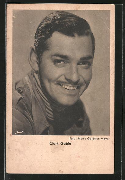 AK Schauspieler Clark Gable lächelnd in Kamera blickend