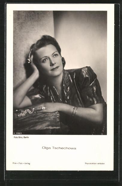 AK Schauspielerin Olga Tschechowa in verträumter Pose porträtiert