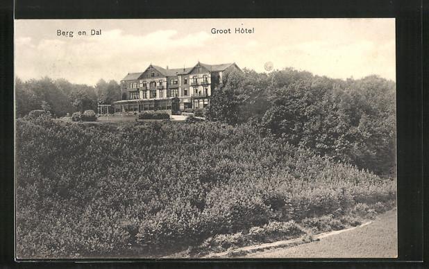 AK Burg en Dal, Groot Hotel