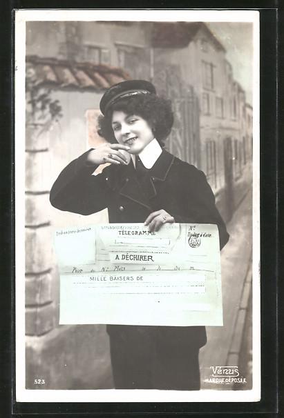 AK Briefträgerin mit Telegramm