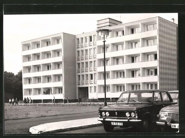 AK Buckow, FDGB-Erholungsheim Theodor Fontane Haus 2, Auto Lada & Wartburg