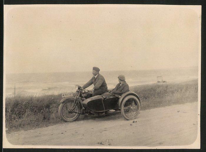 Fotografie Motorrad AJS mit Seitenwagen, Krad-Gespann Kennz. IK-92203