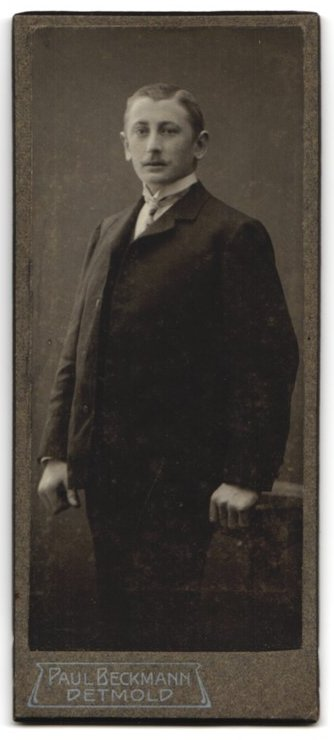 Fotografie Paul Beckmann, Detmold, Portrait Herr im Anzug