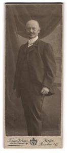 Fotografie Franz Körner, Zerbst, Portrait Mann im Anzug