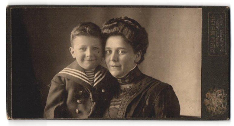 Fotografie Albin Meiche, Annaberg i/Sachs, Portrait Mutter und Sohn