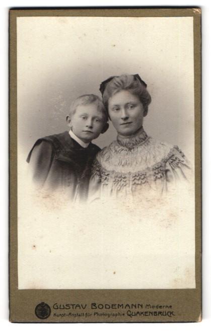 Fotografie Gustav Bodemann, Quakenbrück, Portrait Mutter und Sohn