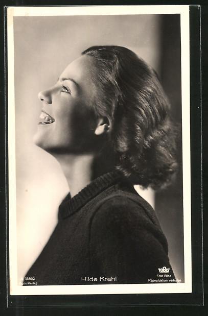 AK Schauspielerin Hilde Krahl lächelnd im Halbprofil porträtiert