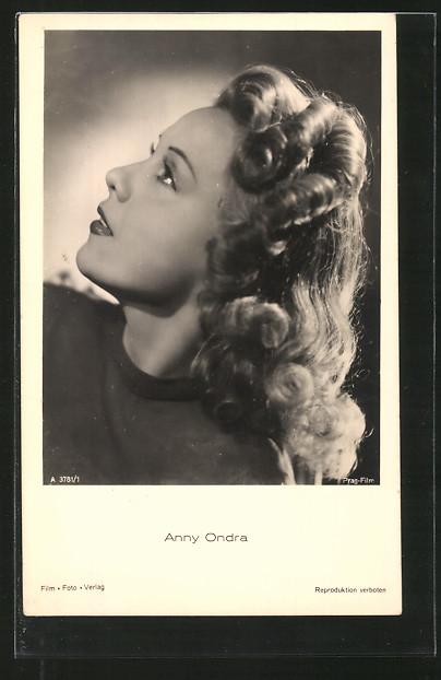 AK Schauspielerin Anny Ondra im Halbprofil porträtiert