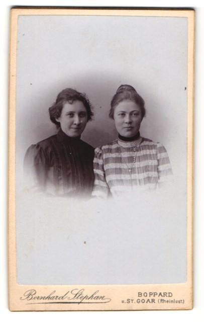 Fotografie Bernhard Stephan, Boppard, St. Goar, Brustportrait zwei junge Damen