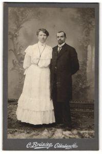 Fotografie C. Brüning, Oldenburg i/Gr, Portrait Dame in weiss und Herr mit Bart