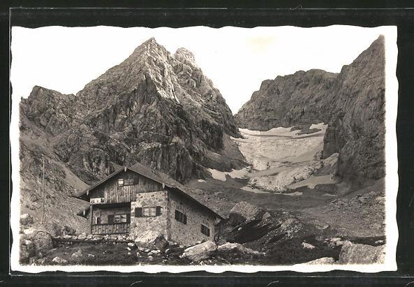 AK Blaueis Hütte, Blick auf die Berghütte und den Gipfel