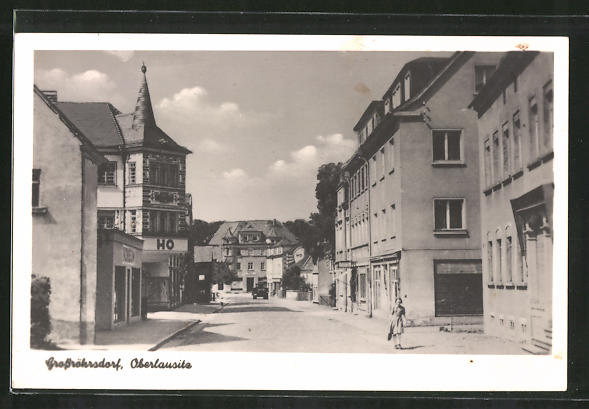 AK Grossröhrsdorf, Strassenpartie im Ort mit Hotel