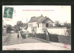 AK Villeneuve la Guyard, L'Avenue de la Gare
