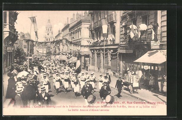 AK Bourg, Concours interrégional de la Fédération des Patronages de France du Sud-Est 1911, Le Défilé Avenue Alsace-L.