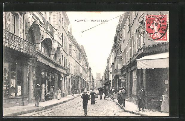 AK Roanne, Rue du Lycée, Strassenpartie im Zentrum