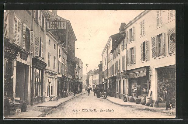 AK Roanne, Rue Mably, Strassenpartie im Zentrum