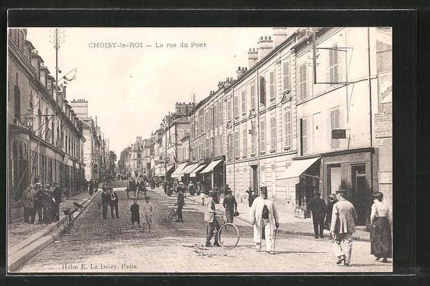 AK Choisy-le-Roi, La rue du Pont, Strassenleben