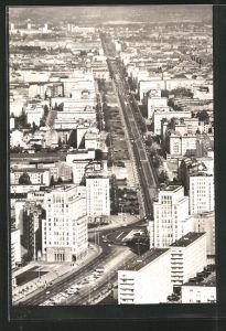 AK Berlin, Blick vom Fernseh-und UKW-Turm der deutschen Post auf die Karl-Marx-Allee