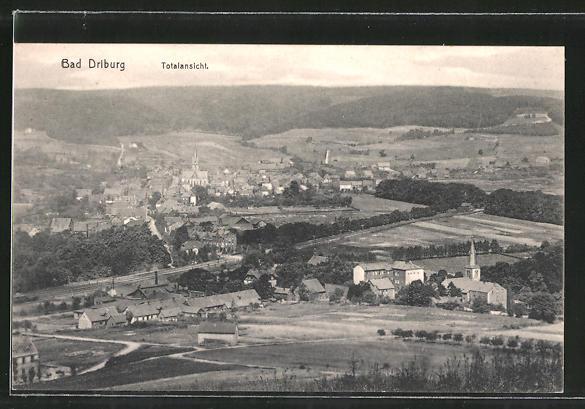 AK Bad Driburg, Ortspanorama vom Berg aus gesehen