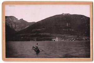 Fotografie Fotograf unbekannt, Ansicht St. Wolfgang, Salzkammergut, Ortsansicht mit Schafberg