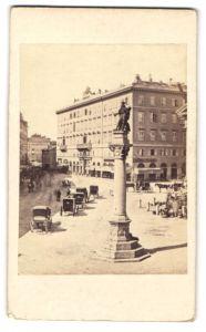 Fotografie Fotograf unbekannt, Ansicht Trieste-Triest, Marktplatz mit Denkmal